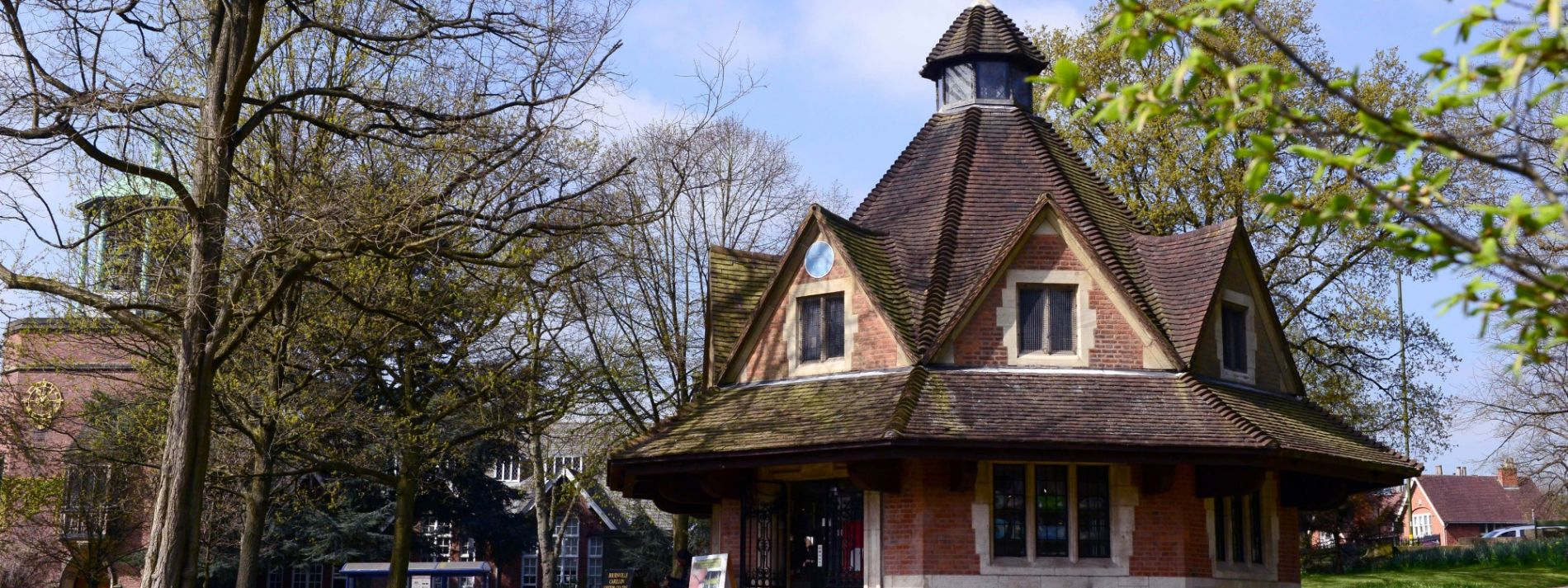 Exploring Bournville village